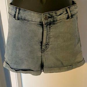 like new H&M bleach washed denim blue shorts 6/$14
